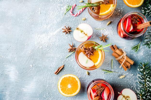 Bebidas tradicionais de inverno, coquetel de vinho quente branco e vermelho,