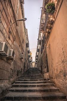 Beco característico pertencente à cidade de licata, na sicília