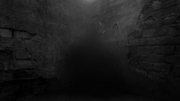 Beco escuro da cidade com parede grunge de construção noturna