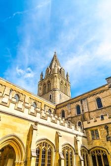 Bela arquitetura christ church cathedral em oxford, reino unido.