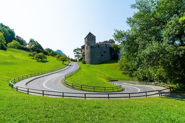 Bela arquitetura no castelo vaduz, a residência oficial do príncipe de liechtenstein