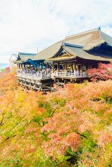 Bela arquitetura no templo de kiyomizu em kyoto no japão