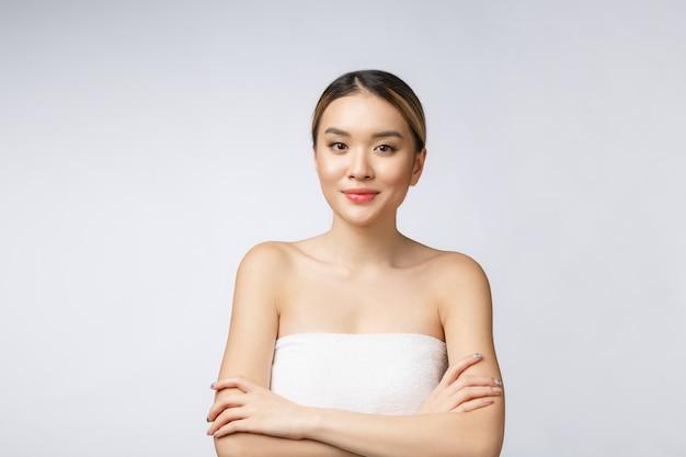 Bela atraente charmosa asiática jovem sorriso sentindo tão felicidade