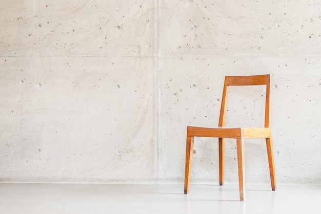 Bela cadeira de madeira de luxo