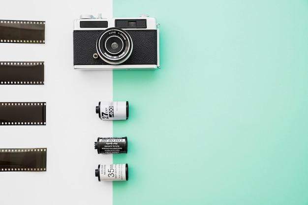 Bela câmera perto de filme