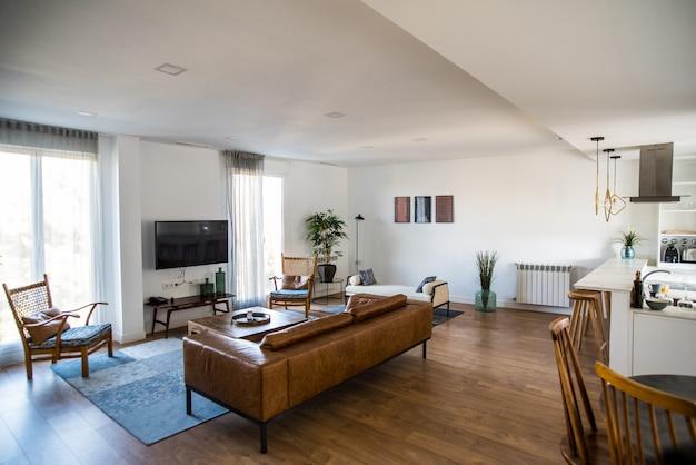 Bela casa design de interiores sala de estar