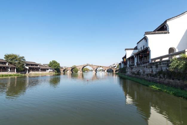 Bela cidade velha em hangzhou, chin