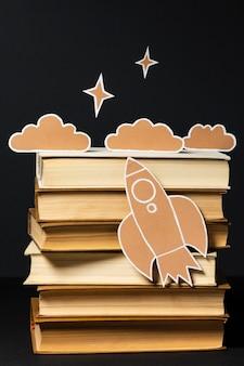 Bela coleção de diferentes livros Foto gratuita