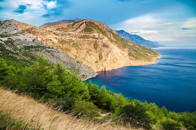 Bela costa da dalmácia, makarska riviera, croácia