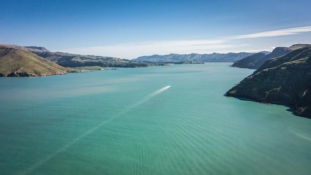 Bela foto aérea de paisagens costeiras, feita do parque godley head em christchurch, nova zelândia.