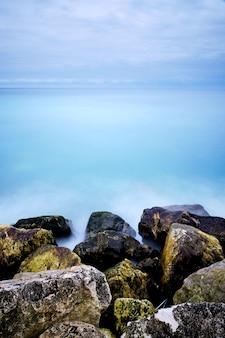 Bela foto da baie des anges nice cote d'azur, frança