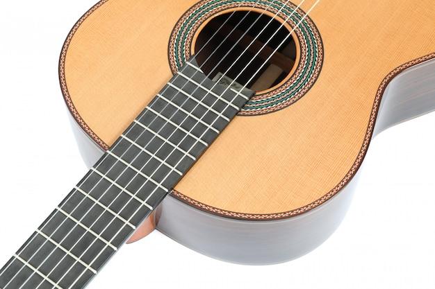 Bela guitarra clássica isolada