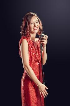 Bela jovem cantora