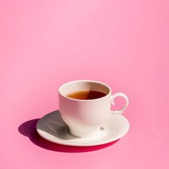 Bela natureza morta de chá
