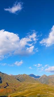 Bela natureza paisagem veiw da área cênica da montanha qilian monte drow em qinghai china.