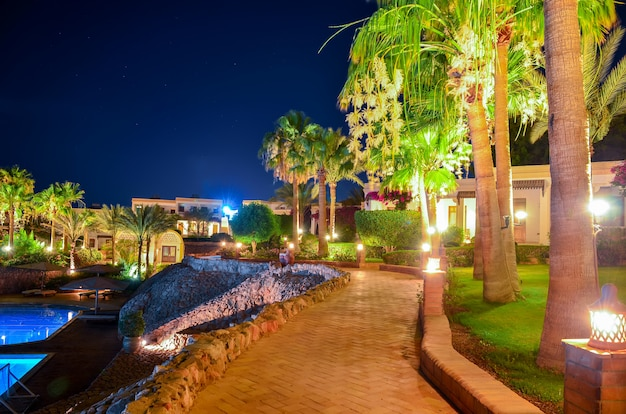 Bela noite árabe em um hotel do egito. sharm el-sheikh