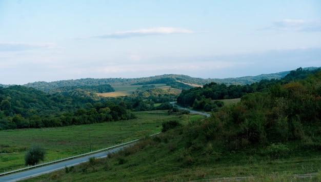 Bela paisagem à tarde em setembro
