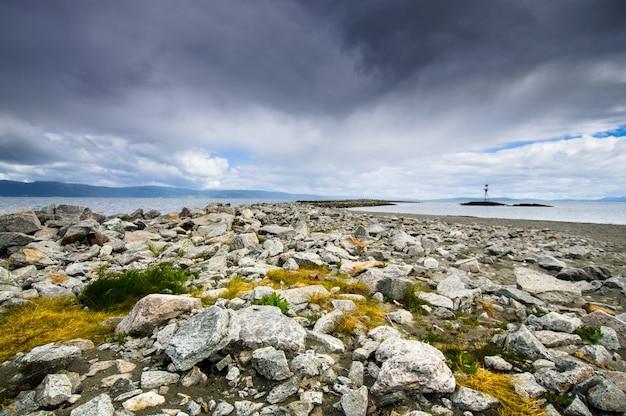 Bela paisagem da ilhota de munkholmen, trondheim, noruega