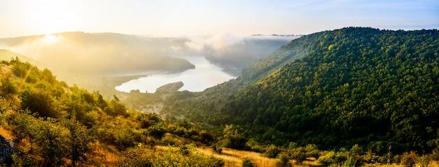 Bela paisagem da montanha