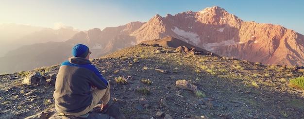 Bela paisagem das montanhas fanns, tajiquistão