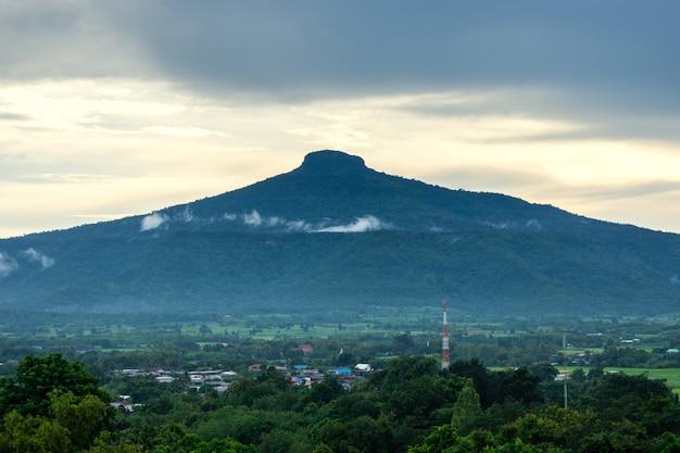 Bela paisagem natural para relaxar em phu luang, província de loei tailândia