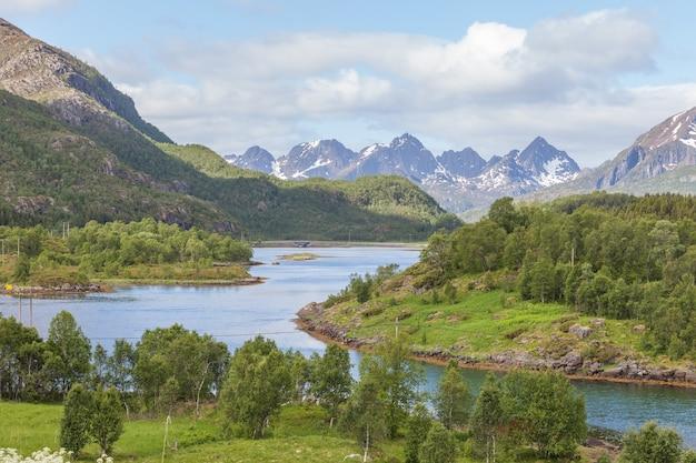 Bela paisagem norueguesa. vista dos fiordes