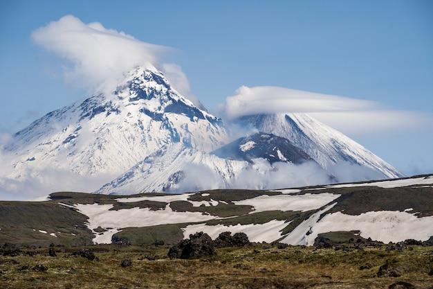Bela paisagem vulcânica: klyuchevskaya sopka volcano
