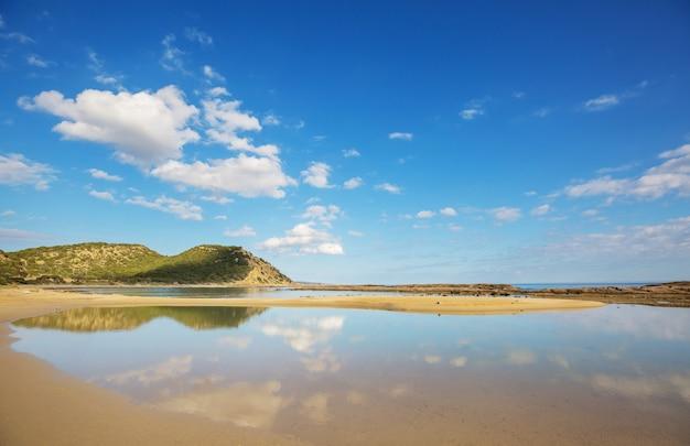 Bela praia no norte de chipre
