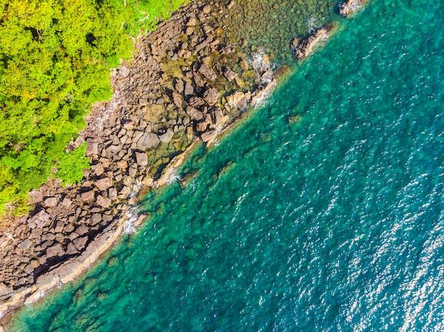 Bela vista aérea da praia