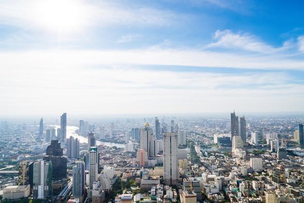 Bela vista da cidade com arquitetura e edifícios em bangkok