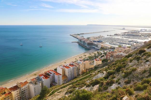 Bela vista da cidade de alicante, costa blanca, espanha