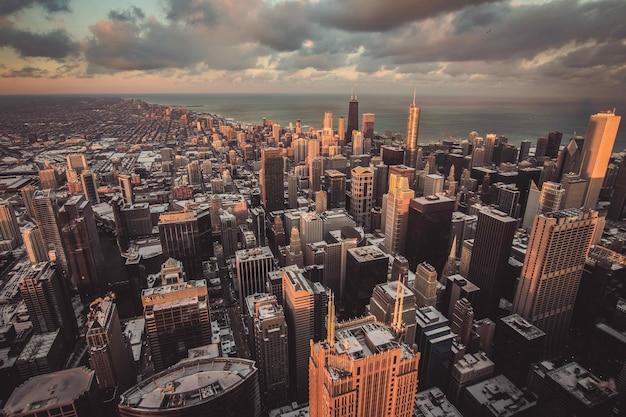 Bela vista da cidade de uma cidade urbana, um tiro de cima