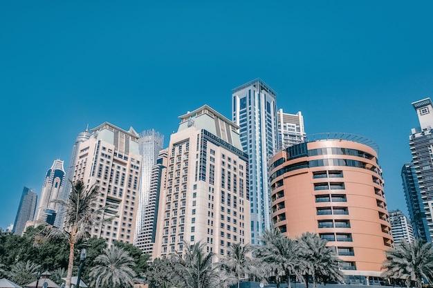 Bela vista da moderna área comercial de dubai