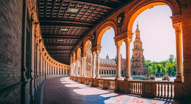 Bela vista da plaza de españa em sevilha, na espanha