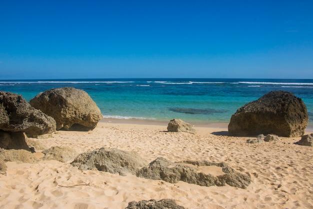 Bela vista da praia de verão