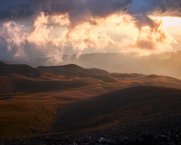 Bela vista das montanhas erciyes em kayseri, turquia