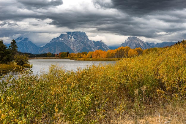 Bela vista de oxbow bend transforme em grand teton national park.