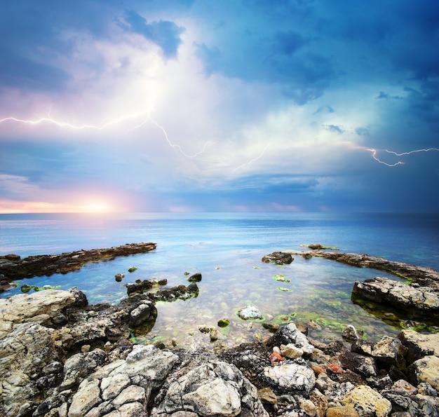 Bela vista do mar.