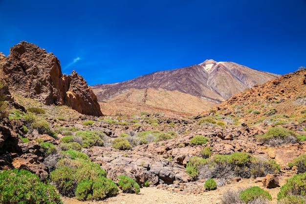 Bela vista do monte teide no parque nacional, tenerife, ilhas canárias, espanha