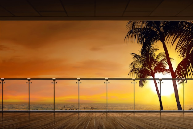 Bela vista do oceano ao pôr do sol