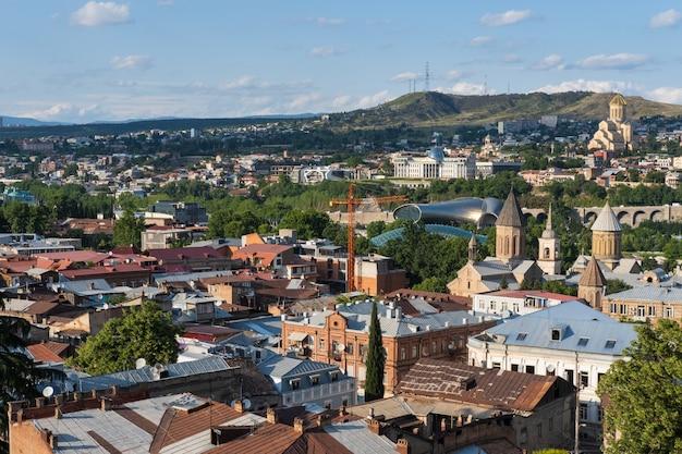 Bela vista panorâmica da cidade de tbilisi, georgia europa, cidade velha, distrito de sololaki Foto Premium