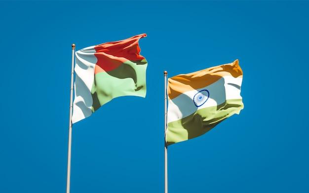 Belas bandeiras estaduais de madagascar e da índia juntas