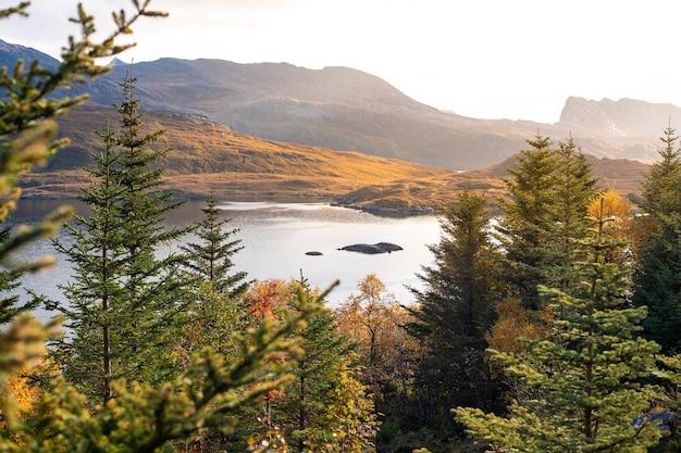 Belas paisagens da ilha de lofoten