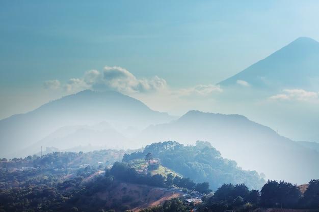 Belas paisagens de vulcões na guatemala, américa central