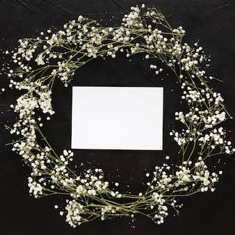 Belo conceito floral com espaço de cópia