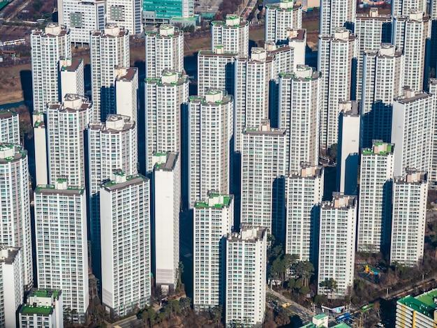 Belo edifício de arquitetura na cidade de seul