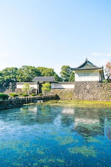 Belo edifício do palácio imperial em tóquio