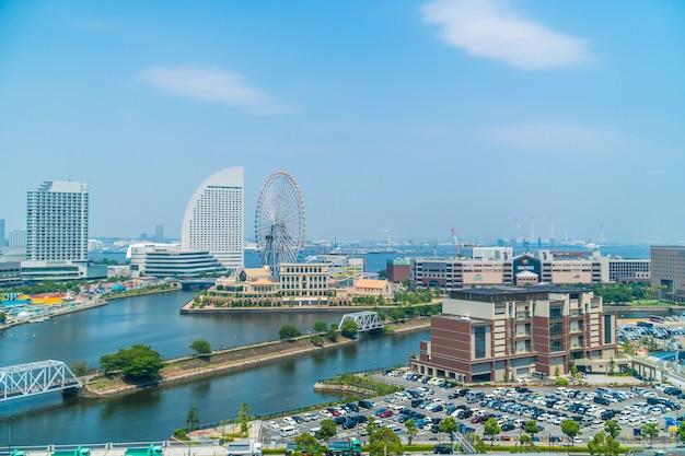 Belo edifício e arquitetura no horizonte da cidade de yokohama