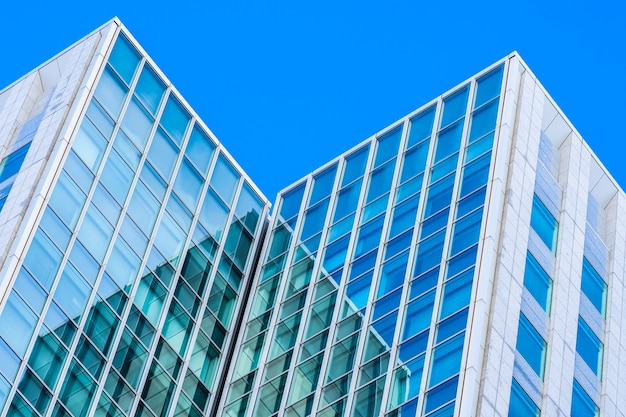 Belo escritório de arquitetura empresarial edifício com forma de janela de vidro