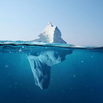 Belo iceberg no oceano com vista subaquática. conceito de aquecimento global.